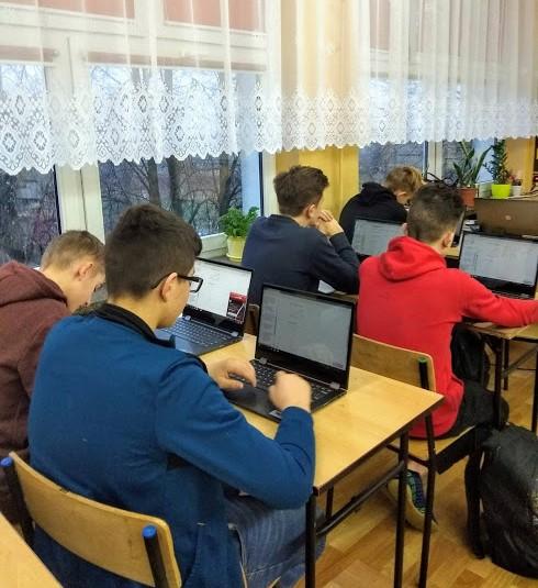 Zajęcia wyrównawcze dla klas gimnazjum i klasy 8a w ramach projektu Nowoczesna Szkoła